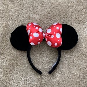 Minnie Mouse Satin Polka Dot Bow Ear Headband